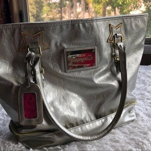 ⭐️EUC Betsey Johnson Patent Silver Tote Bag⭐️